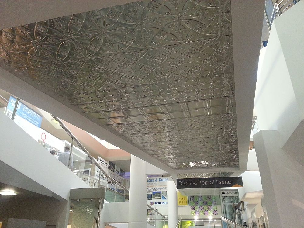 Display Feature Ceiling