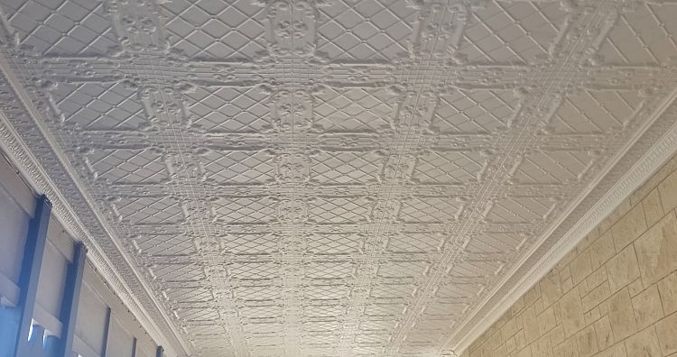 Regency Design White Ceiling